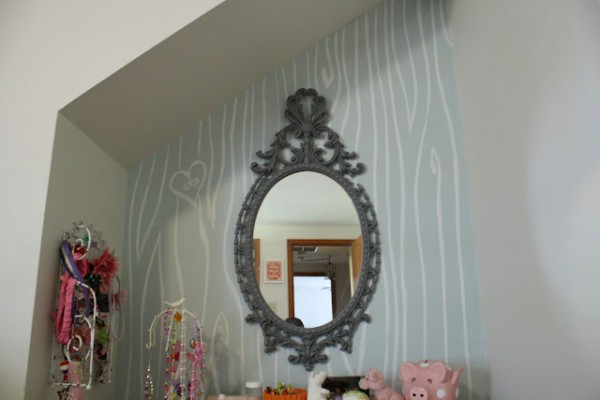 faux boispainted walls girls room nook