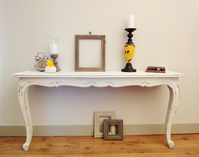 Remodelaholic How To Make Two Console Tables : console table white from www.remodelaholic.com size 640 x 506 jpeg 60kB
