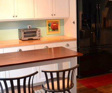 Custom Cabinets & Kitchen Island