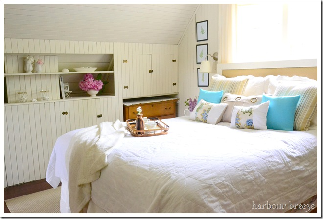 rustic green beach themed bedroom | Remodelaholic | 25+ Free Printable Vintage Aquatic Images