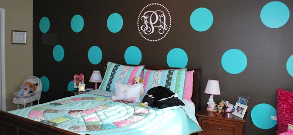 Tween Bedroom With Polka Dot Walls!