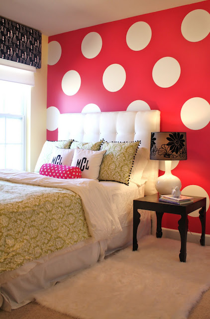 Remodelaholic tween bedroom with polka dot walls for How to make polka dots on wall