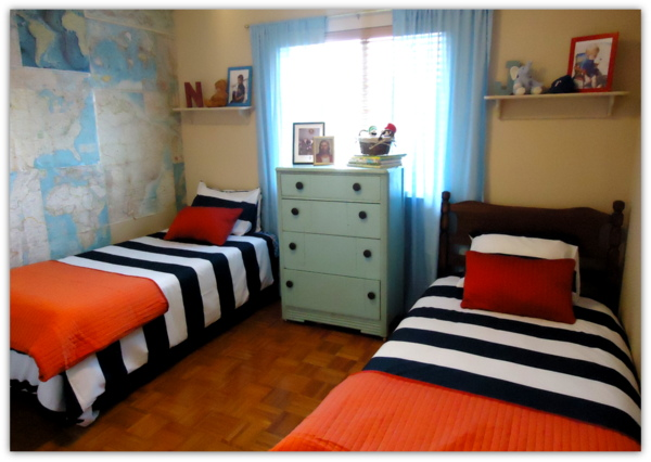 Boys room with map walls and orange accents remodelaholic