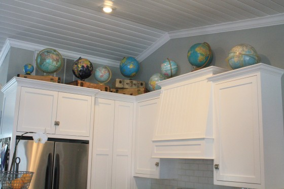 Show me what decor is above your kitchen cabinets gbcn for Show me some kitchen designs