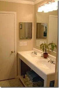 bathroom-vanity-remodelaholic.com