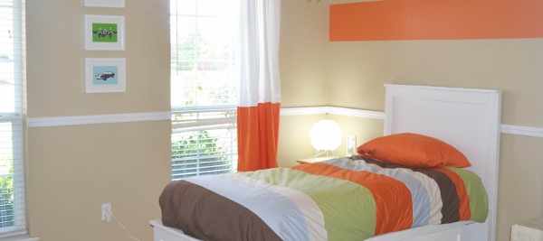 orange-accent-boys-bedroom-boy-remodelaholic.com1 (600x267)