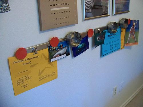 25 best back to school organization ideas diy for Magnetic board for kids ikea