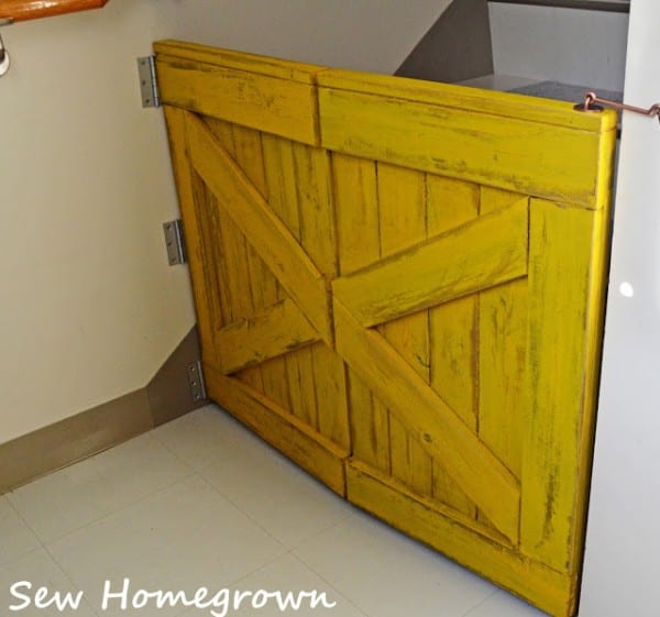 Bifold Barn Door Baby Gate For Small Stair Landing, Built By Sew Homegrown, Building Plan Design By Remodelaholic