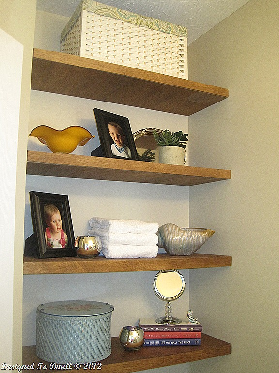 Small half bathroom decor ideas - Shelves Decorated
