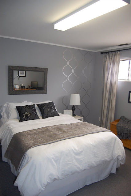 Merveilleux Stenciled Accent, Not Even A Full Wall, But GREAT Impact!