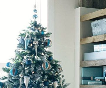 Best Colors for Your Home:  A Colorful Christmas