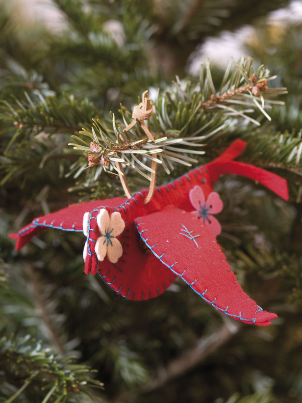 Remodelaholic | 25 Best Handmade Christmas Ornaments