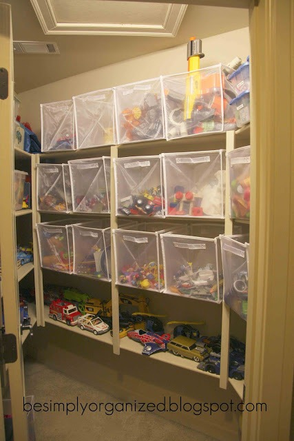 Remodelaholic an organized playroom Closet toy storage ideas