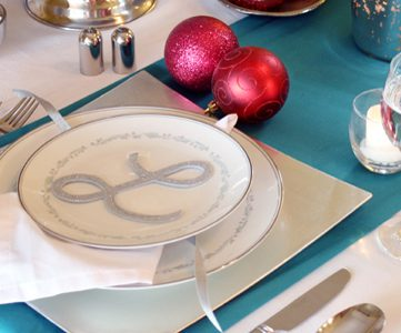 Easy Place Card & Christmas Tablescape