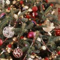 BHG tree decor feature pic