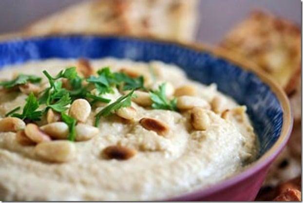 Remodelaholic Easy Peasy Hummus