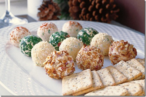 Remodelaholic Holiday Cheese Balls