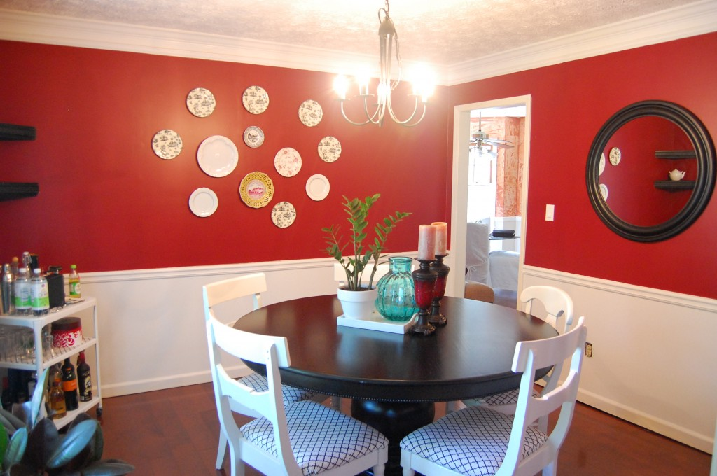 design ocd dining w round table - Dining Room Red Paint Ideas