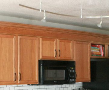 Remodelaholic moldings for Oak crown molding for kitchen cabinets