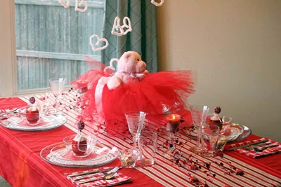 Remodelaholic Very Valentiney Tablesetting