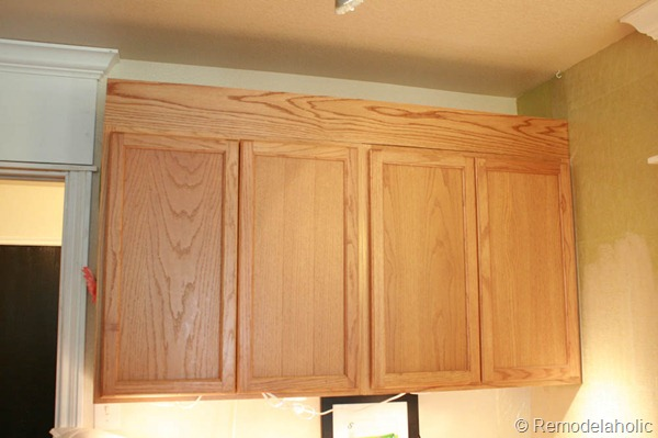 Upgrade builder grade oak cabinets without painting for Oak crown molding for kitchen cabinets