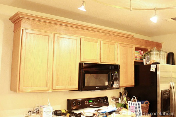 Upgrade builder grade oak cabinets without painting diy for Oak crown molding for kitchen cabinets