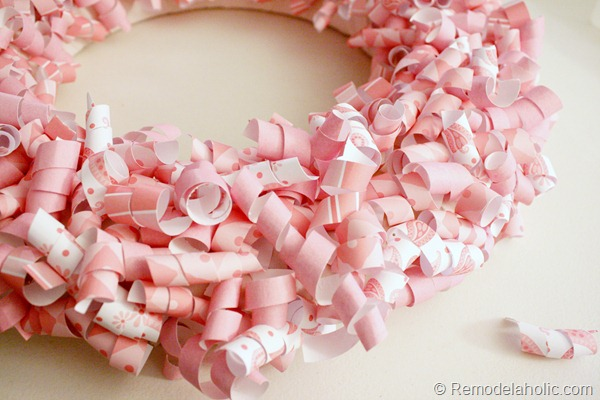 pink-paper-curl-wreath-valentine-wreath-tutorial (13)