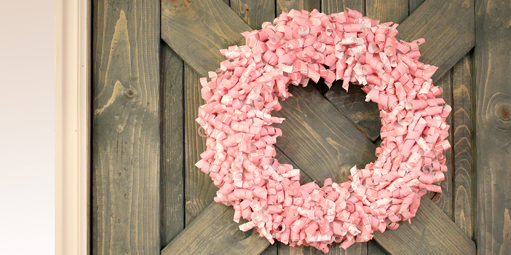 Remodelaholic Valentine Paper Curl Wreath Tutorial