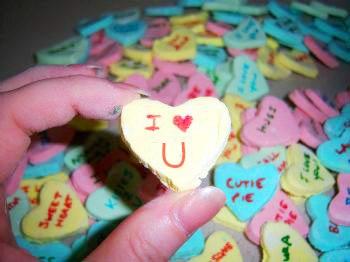 Homemade Conversation Hearts | Suzy's Artsy Craftsy Sitcom for ...