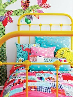 É Lizey cama Lou amarelo