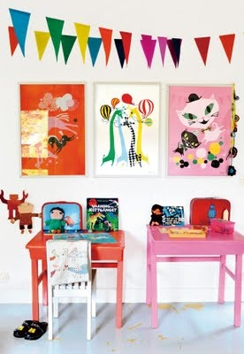 Mama Mekko children's desks