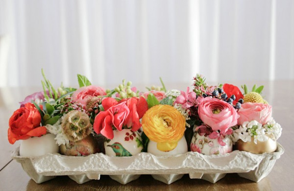 Five Kinds of Happy egg box and flowers