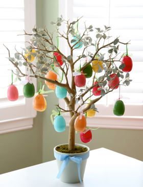 Our Family Blog easter egg tree, Easter activities for kids via Remodelaholic