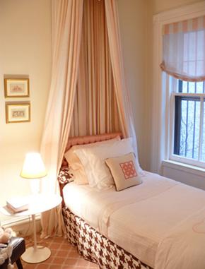 Philip Gorrivan-girl-bedroom-canopy-pink-brown_thumb[1] (1)