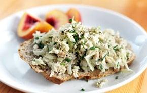 crunchy-tuna-salad-quick-easy-healthy-lunch-idea