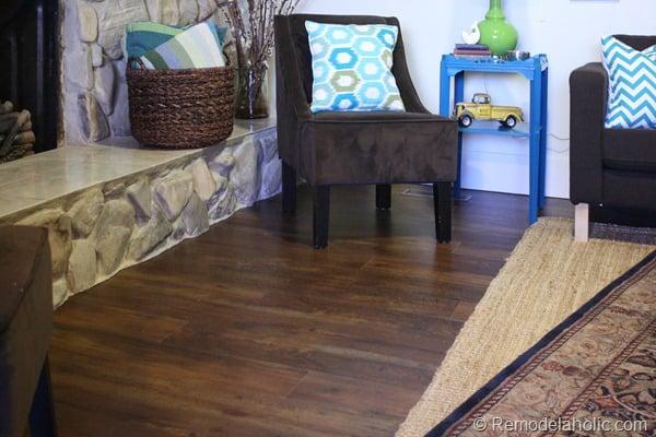 14 Flooring living room staged 001 (16)