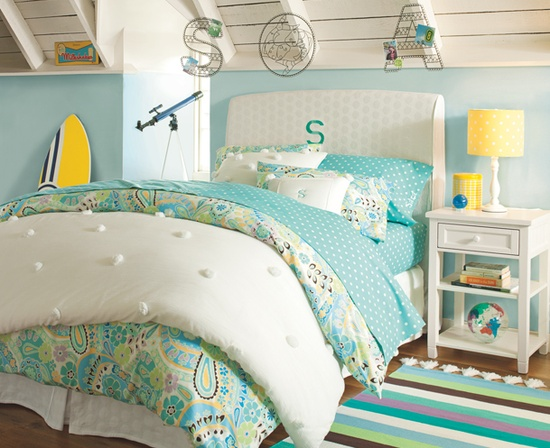 Comfortable Home Design turquoise beach room