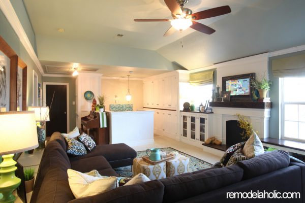 Remodelaholic | Home Sweet Home on a Budget: Built Ins