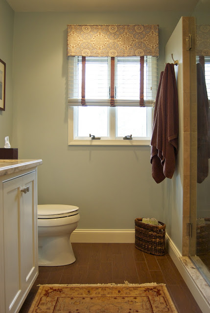 Remodelaholic an 80 39 s bath remodeled for Small master bathroom