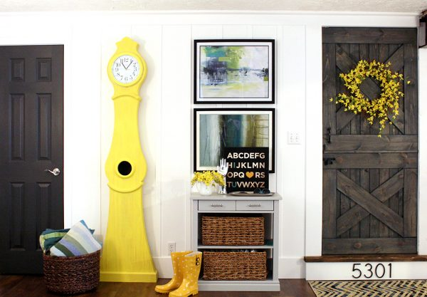 Large DIY Wall Decor Ideas and Inspiration: Tall Board and Batten DIY Wall Treatment