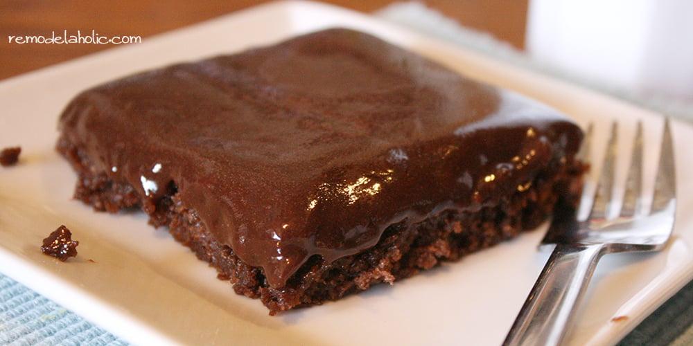 Remodelaholic Texas Sheet Cake With Nutella Glaze