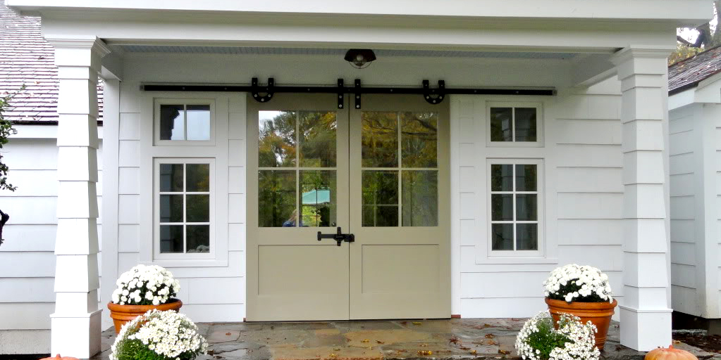 Door Diy Amp Barn Style Closet Doors Bifold Barn Door Diy