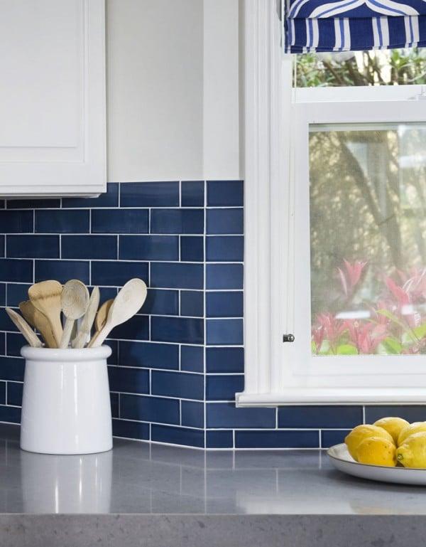 Remodelaholic 25 great kitchen backsplash ideas for Blue kitchen backsplash ideas