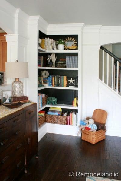 built-in corner bookcase tutorial, Remodelaholic