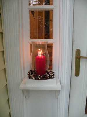 build a welcome sconce for the porch, Hearts Hands Home