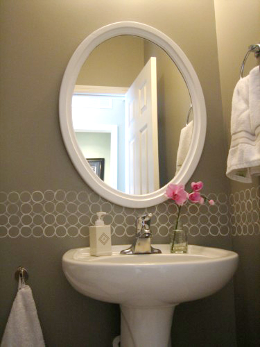 free modern painted wall border great for a bathroom