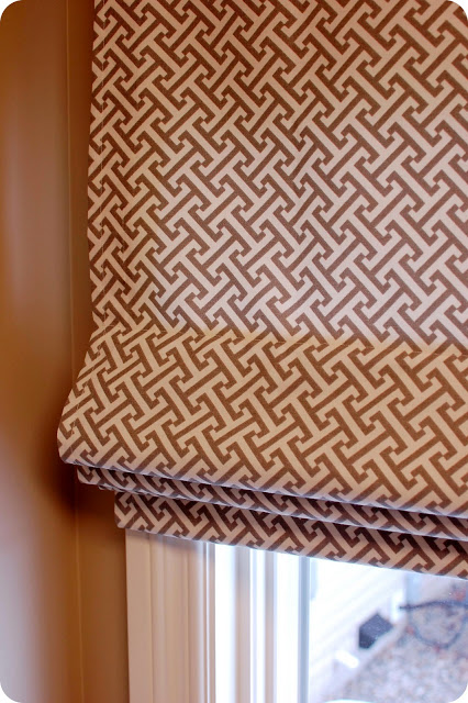fully operation roman window shade tutorial, 33 Shades of Green on Remodelaholic