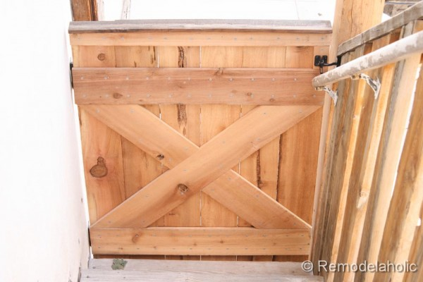 Outdoor Tall Baby Gate 20