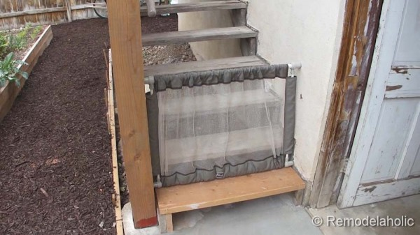 outdoor tall baby gate-3