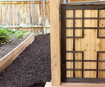 DIY Outdoor Baby Gate